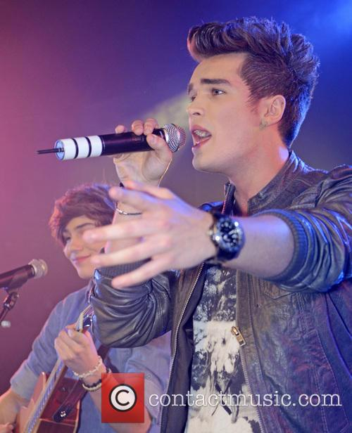 josh cuthbert union j performing at g a y 20057403