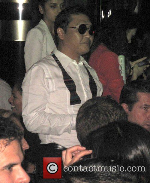 PSY parties at 1 OAK nightclub with Usher...