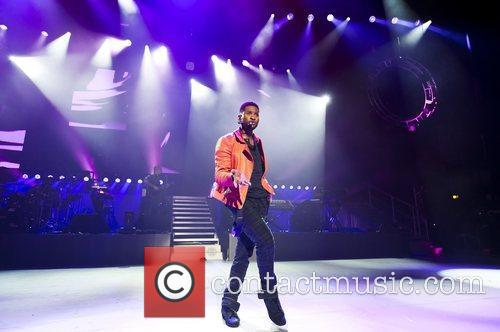 usher performs at the apollo hammersmith london 5862472