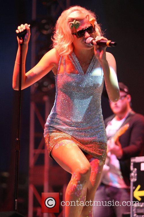 Pixie Lott and V Festival 19