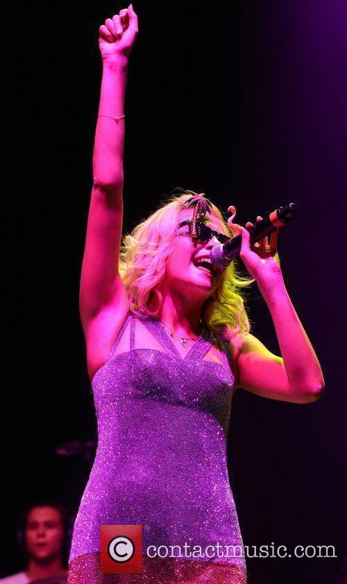 Pixie Lott and V Festival 7