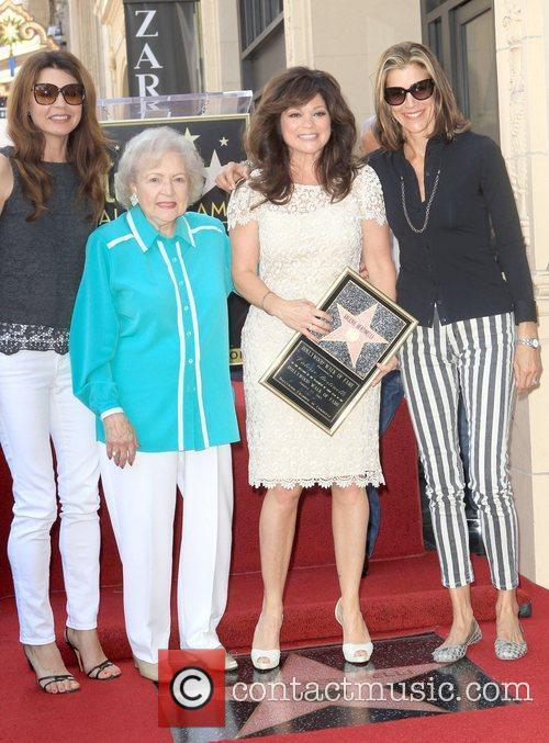 Jane Leeves, Betty White, Valerie Bertinelli, Wendie Malick and Star On The Hollywood Walk Of Fame 2