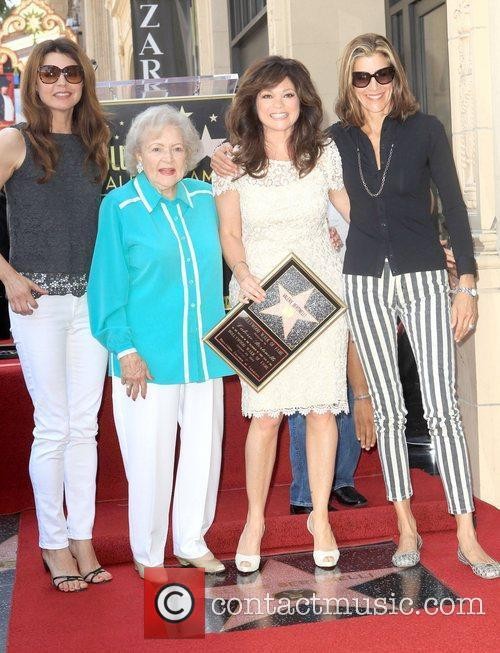 Jane Leeves, Betty White, Valerie Bertinelli, Wendie Malick and Star On The Hollywood Walk Of Fame 1