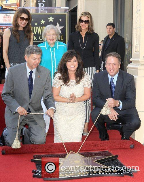 Jane Leeves, Betty White, Valerie Bertinelli, Wendie Malick and Star On The Hollywood Walk Of Fame 8