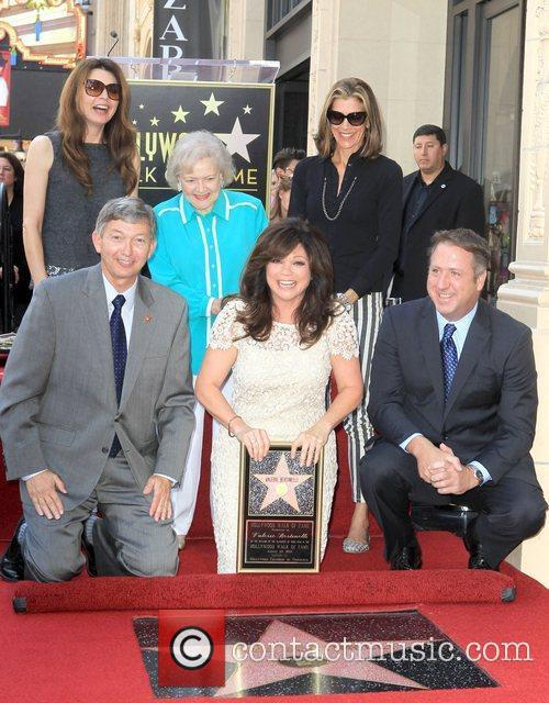 Jane Leeves, Betty White, Valerie Bertinelli, Wendie Malick and Star On The Hollywood Walk Of Fame 11