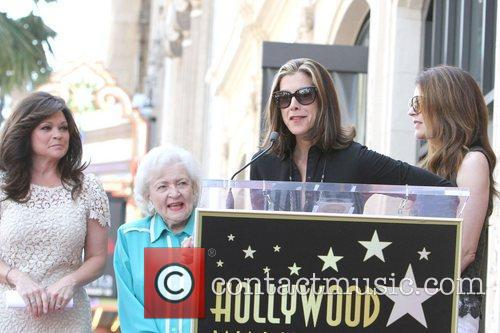 Valerie Bertinelli, Betty White, Jane Leeves, Wendie Malick and Star On The Hollywood Walk Of Fame 2