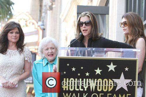 Valerie Bertinelli, Betty White, Jane Leeves, Wendie Malick and Star On The Hollywood Walk Of Fame 3
