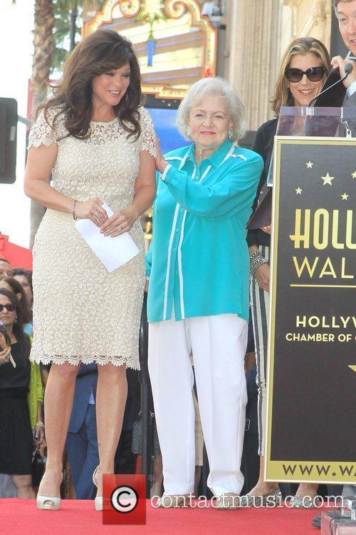 Valerie Bertinelli, Betty White, Wendie Malick and Star On The Hollywood Walk Of Fame 10