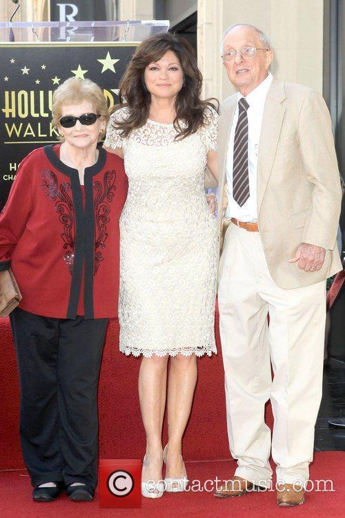 valerie bertinelli with her family valerie bertinelli 5897350