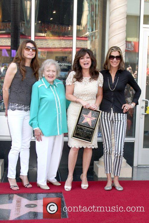 Jane Leeves, Betty White, Valerie Bertinelli, Wendie Malick and Star On The Hollywood Walk Of Fame 7