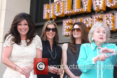 Valerie Bertinelli, Betty White, Jane Leeves, Wendie Malick and Star On The Hollywood Walk Of Fame 5