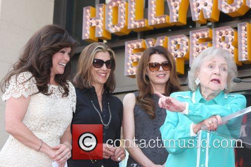 Valerie Bertinelli, Betty White, Jane Leeves, Wendie Malick and Star On The Hollywood Walk Of Fame 6