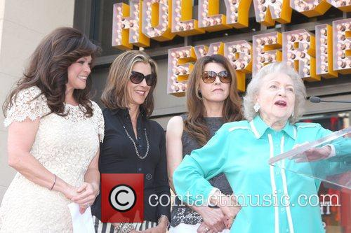 Valerie Bertinelli, Betty White, Jane Leeves, Wendie Malick and Star On The Hollywood Walk Of Fame 7