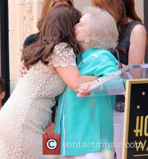 Betty White and Valerie Bertinelli 2