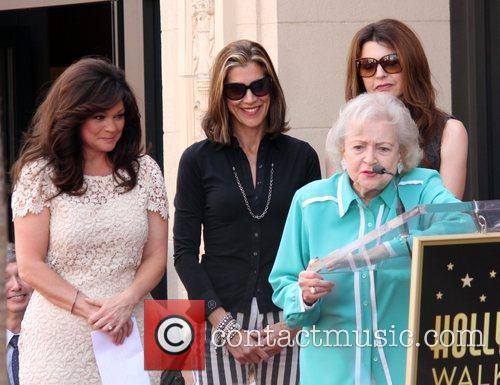 Jane Leeves, Betty White, Valerie Bertinelli, Wendie Malick and Star On The Hollywood Walk Of Fame 6