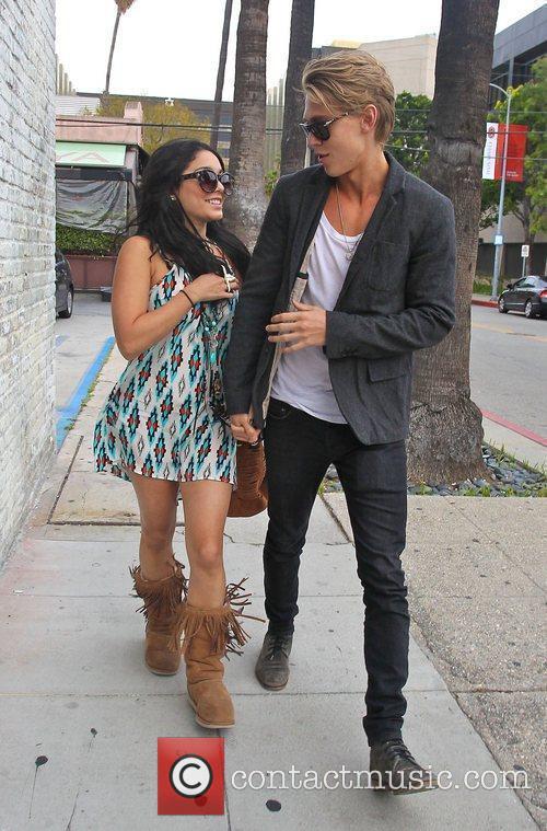 Vanessa Hudgens and Austin Butler 7
