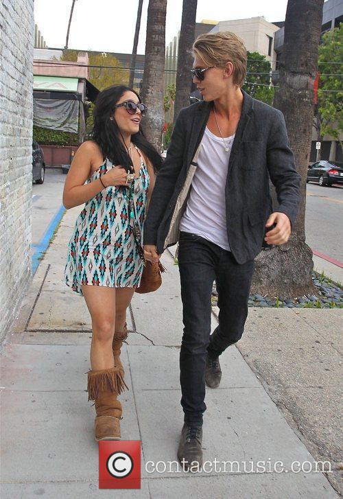 Vanessa Hudgens and Austin Butler 8