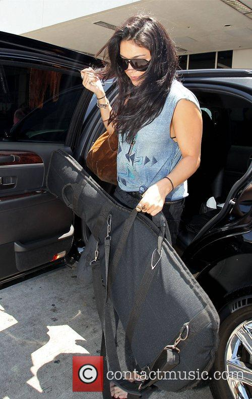 vanessa hudgens arrives at lax airport carrying 4000385