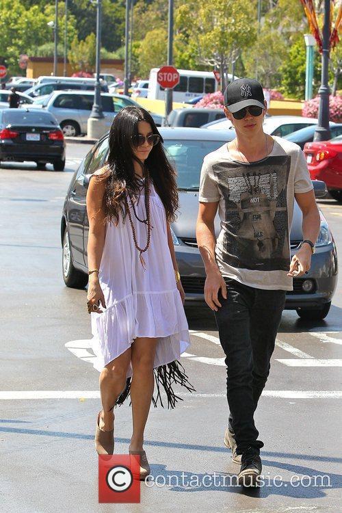 Vanessa Hudgens and Austin Butler shopping at Ralphs...