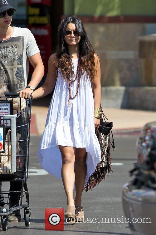 Vanessa Hudgens shopping at Ralphs Grocery Los Angeles,...