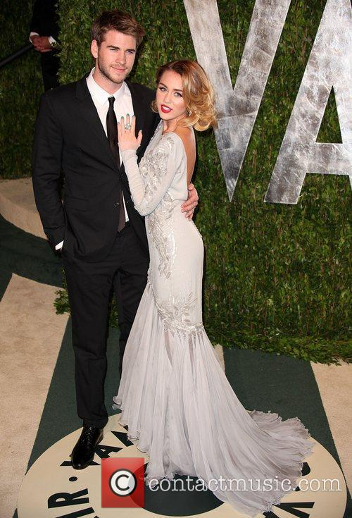 Liam Hemsworth and Miley Cyrus 3