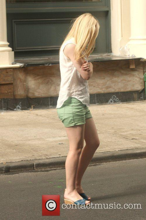 Dakota Fanning Filming scenes for new movie 'Very...