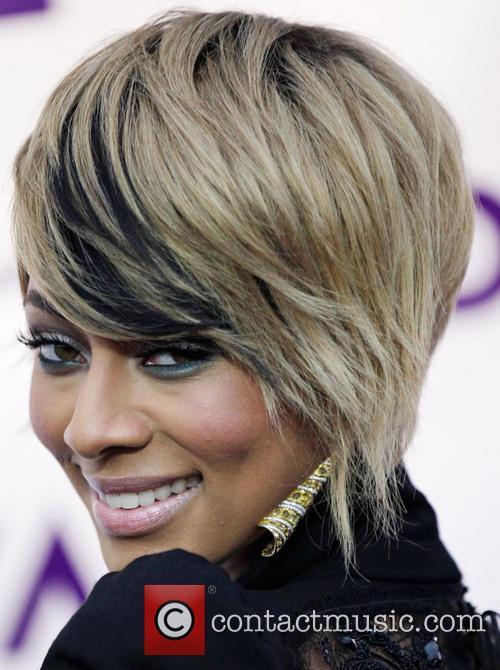 Keri Hilson (earring and hair detail) VH1 Divas...