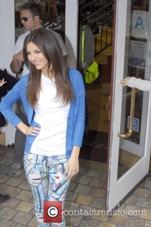 disney channel star victoria justice at the 5816510