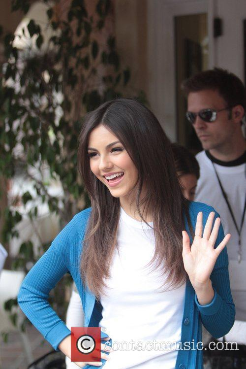 disney channel star victoria justice at the 5816095