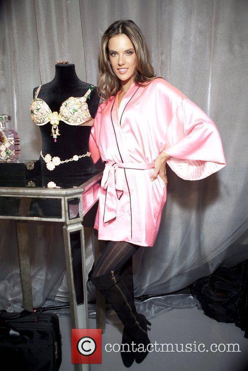 alessandra ambrosio 2012 victorias secret fashion show 5945651