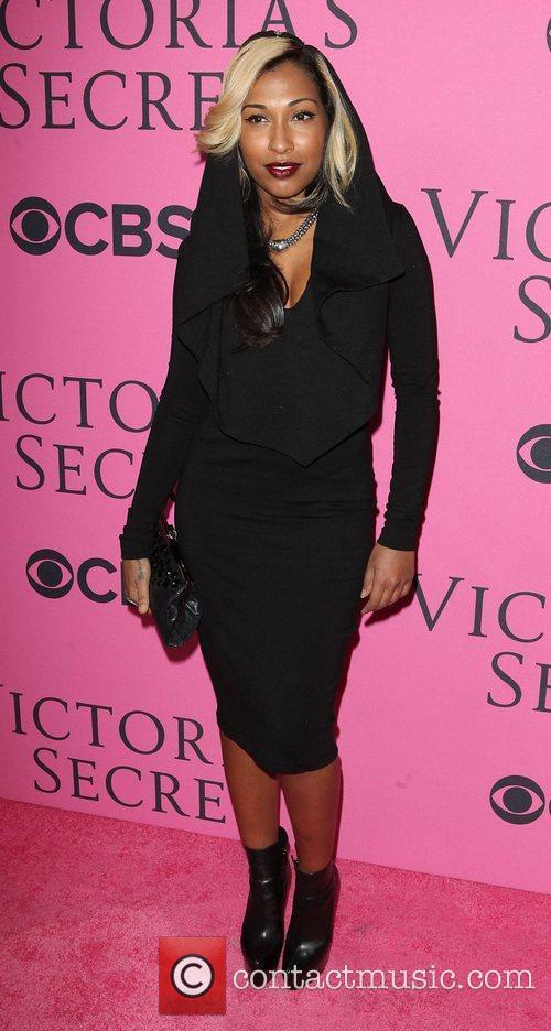 Melanie Fiona, Victoria's Secret Fashion Show and Victoria's Secret 4