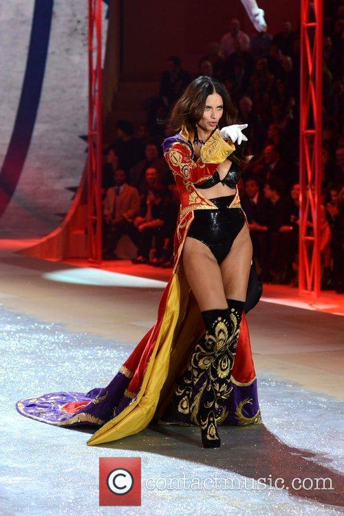 Adriana Lima, Victoria's Secret Fashion Show, Lexington Avenue Armory and New York City 2