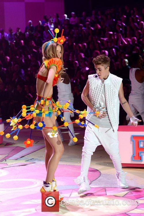 Justin Bieber, Victoria's Secret Fashion Show, Lexington Avenue Armory and New York City 4