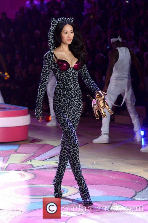 Liu Wen, Victoria's Secret Fashion Show, Lexington Avenue Armory and New York City 6