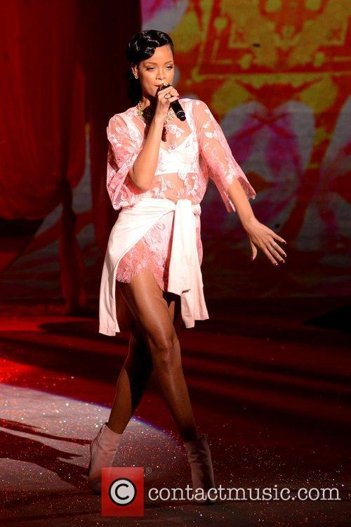 Rihanna Performs, Victoria's Secret Fashion Show, Lexington Avenue Armory New and York City 1