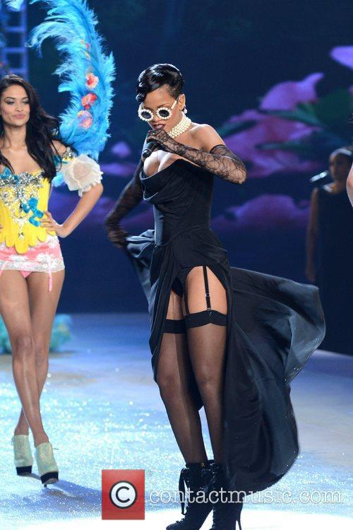 Rihanna Performs, Victoria's Secret Fashion Show, Lexington Avenue Armory New and York City 2