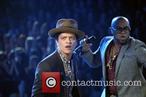 Bruno Mars and Victoria's Secret Fashion Show 8