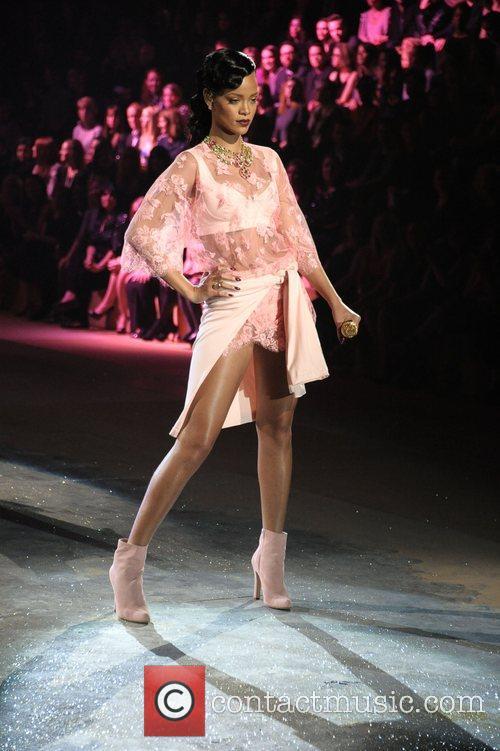 rihanna performs at the victorias secret fashion 4167513