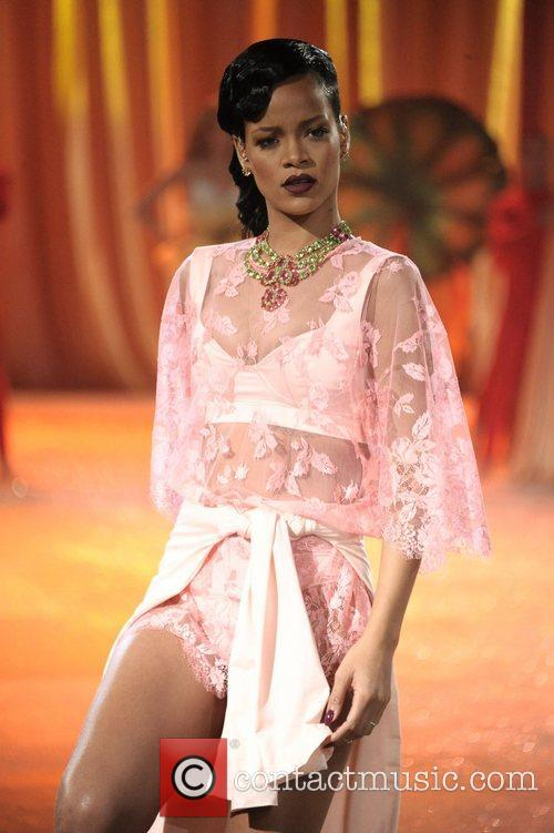 Rihanna and Victoria's Secret Fashion Show 7
