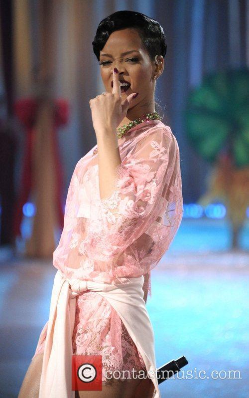 Rihanna and Victoria's Secret Fashion Show 5
