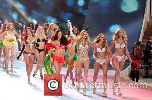 Models and Victoria's Secret 1