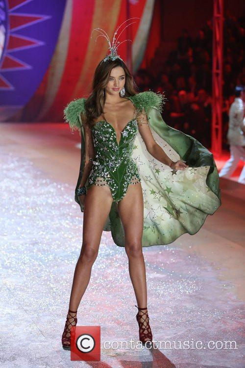 Miranda Kerr and Victoria's Secret 5