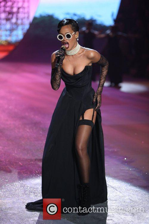 Rihanna, Victoria's Secret Fashion Show