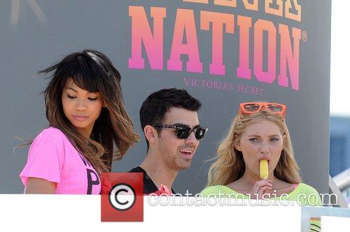 Joe Jonas and Victoria's Secret 8
