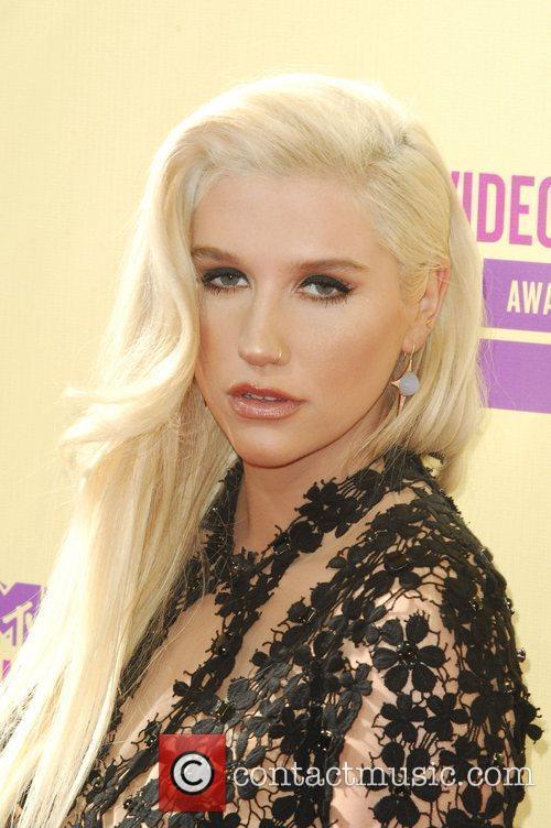 Kesha and Mtv Video Music Awards 2