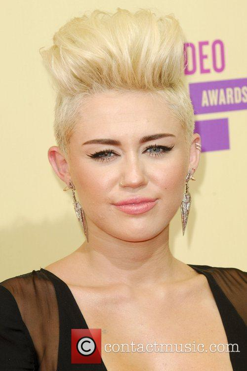 Miley Cyrus and Mtv Video Music Awards 8