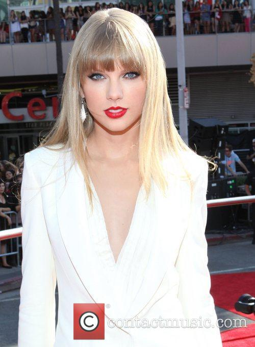 Taylor Swift and MTV Video Music Awards 12