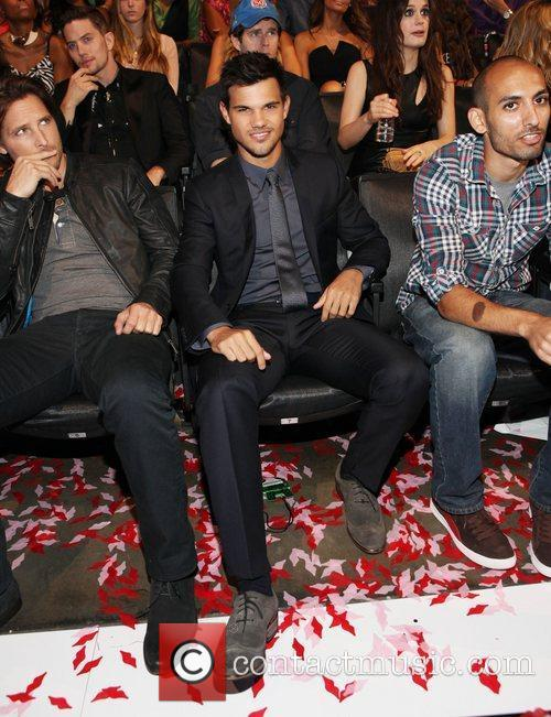 Taylor Lautner and Mtv Video Music Awards 9