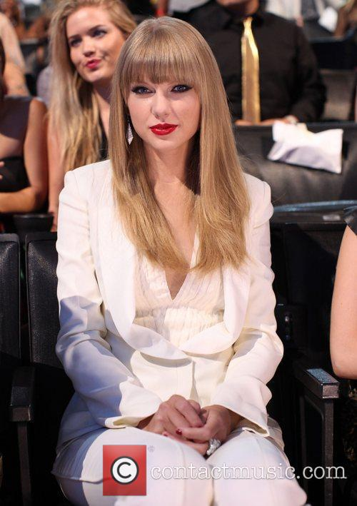 Taylor Swift and Mtv Video Music Awards 4