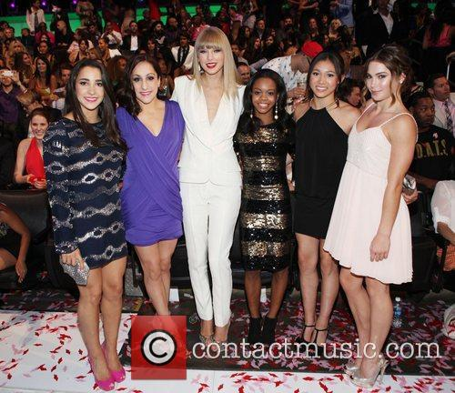 Taylor Swift, Gabby Douglas, MTV Video Music Awards